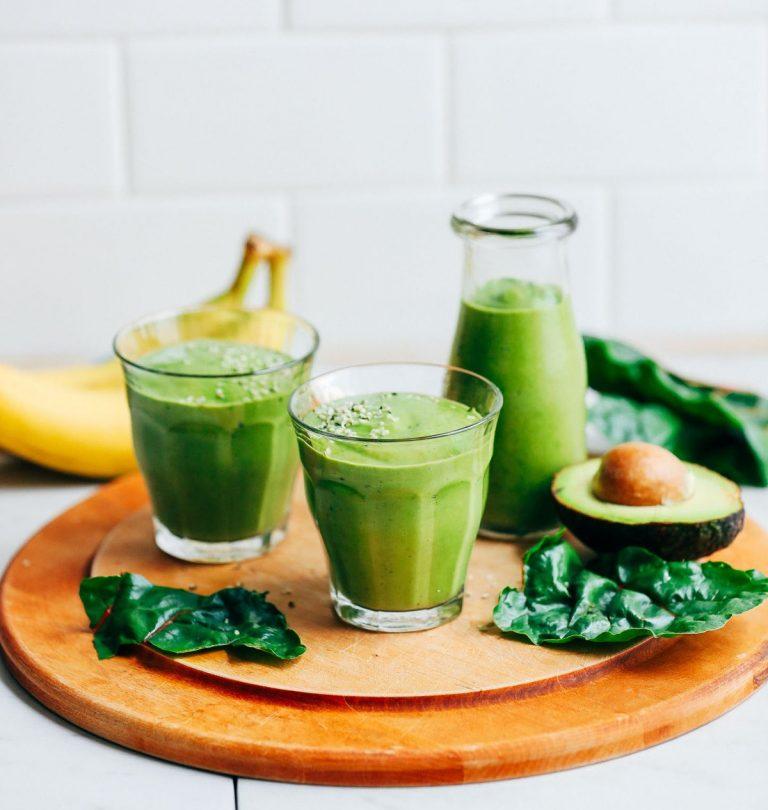 Read more about the article Creamy Avocado Banana Green Smoothie